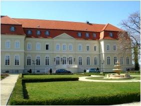 Tavasz - La Contessa Kast�lyhotel