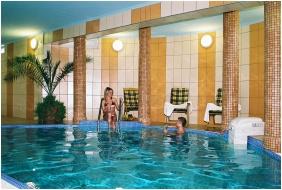 Wellness Hotel-M, Élménymedence