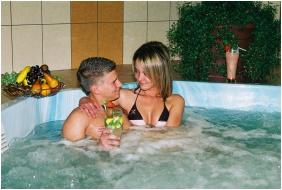 Wellness Hotel-M, Pezsgőfürdő - Hajdúszoboszló