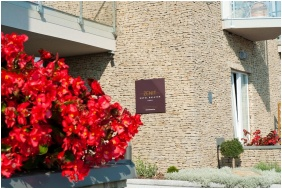 Zenit Hotel Balaton, Bejárat