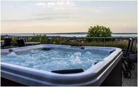 Pezsgőfürdő - Zenit Hotel Balaton
