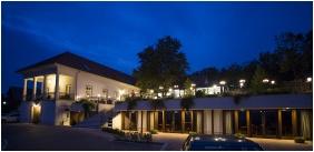Zenit Hotel Balaton, Épület este - Vonyarcvashegy