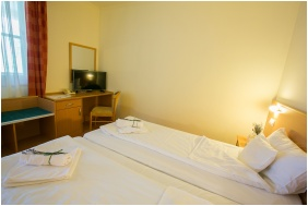 Zichy Park Hotel, Twin room