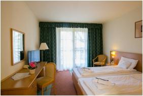 Zichy Park Hotel, Horg�szat