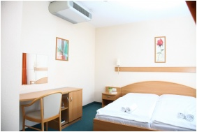 Zsory Hotel Fit, Comfort double room